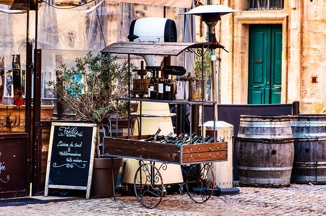 víno nápoje ulica.jpg